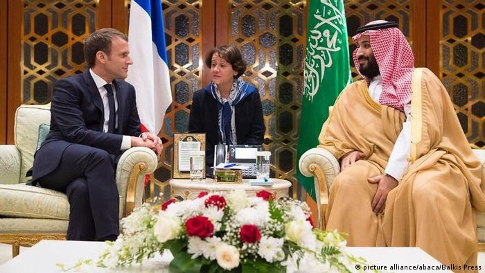 French President Emmanuel Macron and Saudi Crown Prince Mohammed bin Salman in 2017 (picture alliance/abaca/Balkis Press)