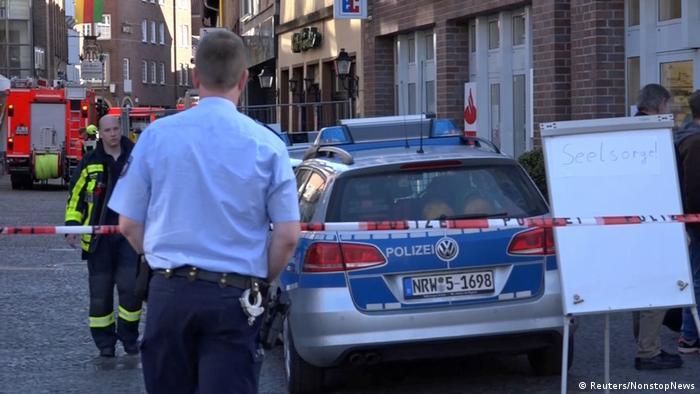 Deutschland Kleintransporter fährt in Münster in Menschenmenge - Tote und Verletzte