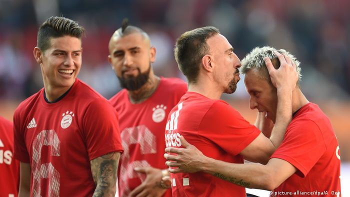 Цифра 6 на футболках граців Баварії означає шостий поспіль титул переможців Бундесліги
