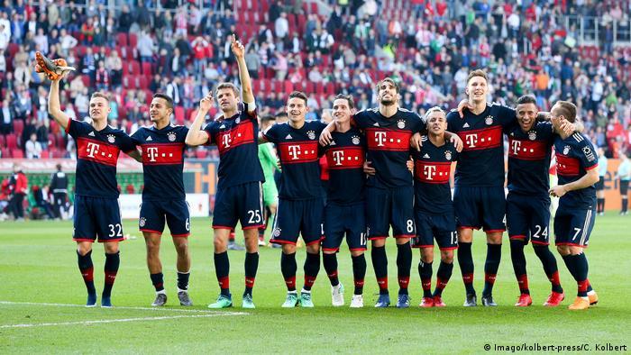 Fußball Bundesliga FC Augsburg - FC Bayern (Imago/kolbert-press/C. Kolbert)