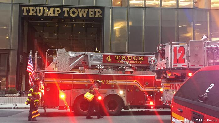 Fire engines at the entrance to Trump Tower (Getty Images/AFP/L. Bonilla)