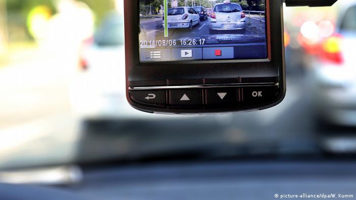 A Dash-Cam in Berlin (picture-alliance/dpa/W. Kumm)