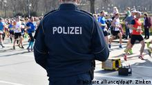 Deutschland Berliner Halbmarathon | Polizei