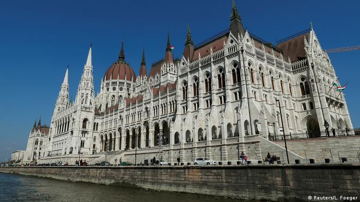 Ungarn Parlamentsgebäude in Budapest