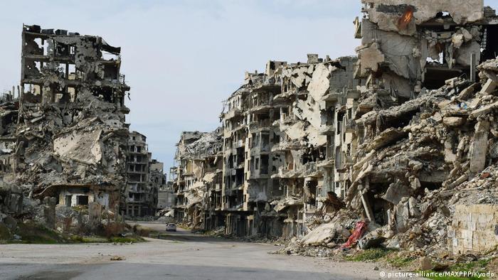Homs Ruinen (picture-alliance/MAXPPP/Kyodo)