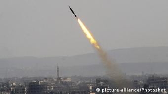 Syrien Raketenangriff (picture-alliance/Photoshot)
