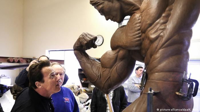 Arnold Schwarzenegger and his statue