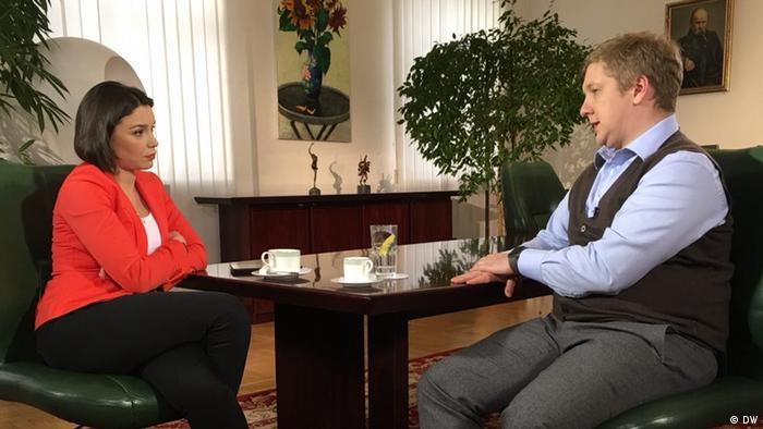 Андрей Коболев во время интервью с Жанной Немцовой
