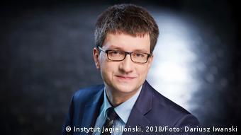 Headshot of Marcin Roszkowski