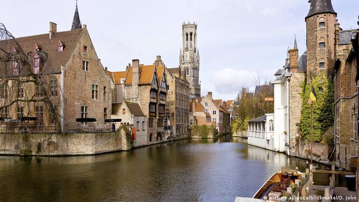 Belgium, Bruegge, cityscape with canals