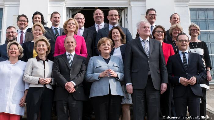 زنان آلمانی در مشارکت سیاسی نقش بیشتری دارند تا در زمینه اقتصاد