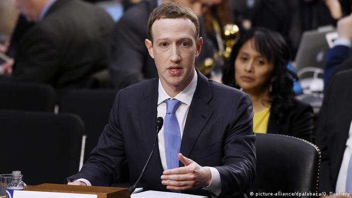 USA Facebook-Chef Mark Zuckerberg sagt erstmals vor dem US-amerikanischen Kongress aus