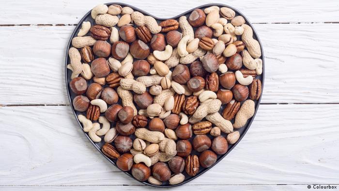 Herz und Nüsse