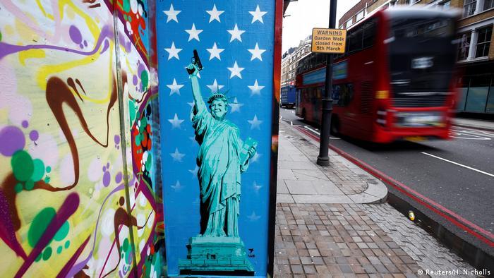 Großbritannien Trump Graffiti in London