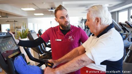 ВООЗ: Тривалість життя європейців зростає, ризики через ожиріння та куріння