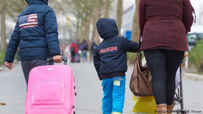 Asylum-seekers in Germany (picture-alliance/dpa/B. Thissen)