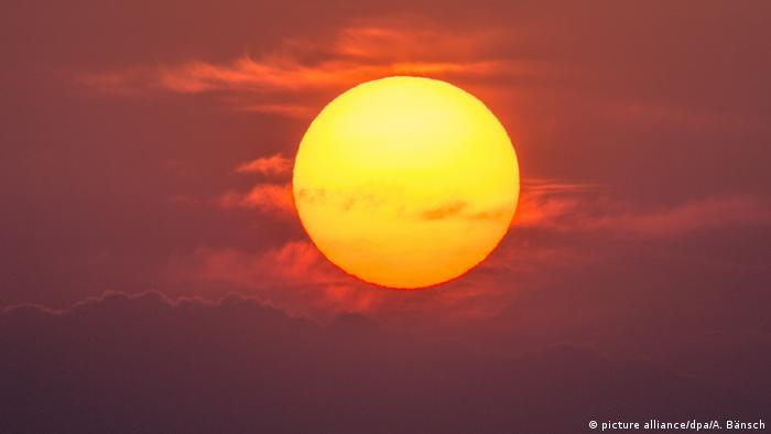 Frühling Sonnenaufgang an der Oder (picture alliance/dpa/A. Bänsch)