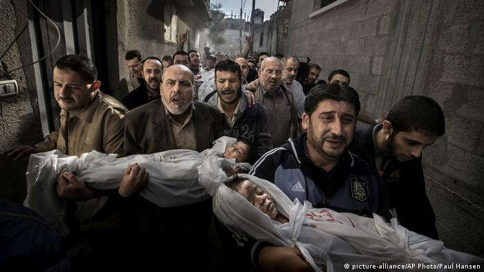 World Press Photo Contest winning photo of 2013 by Paul Hansen