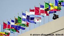 Amerika-Gipfel Fahnen der Teilnehmerländer