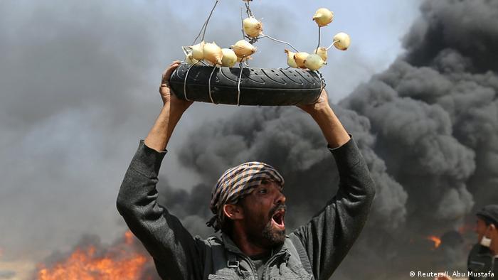 Selbstgebastelte Gasmasken in Gaza (Reuters/I. Abu Mustafa)
