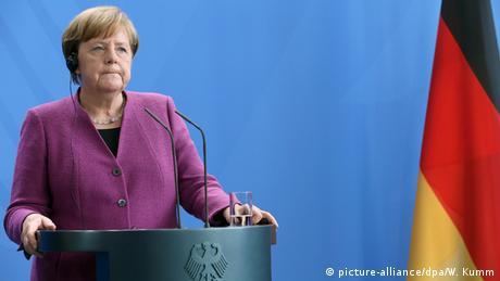 Merkel empfängt dänischen Ministerpräsidenten Rasmussen (picture-alliance/dpa/W. Kumm)