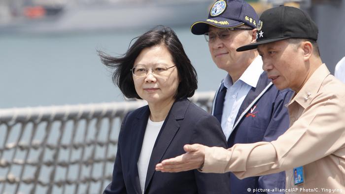 Taiwan Tsai Ing-wen (picture-alliance/AP Photo/C. Ying-ying)