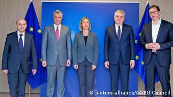 Brüssel Vermittlung Serbien und Kosovo (picture-alliance/AA/EU Council)