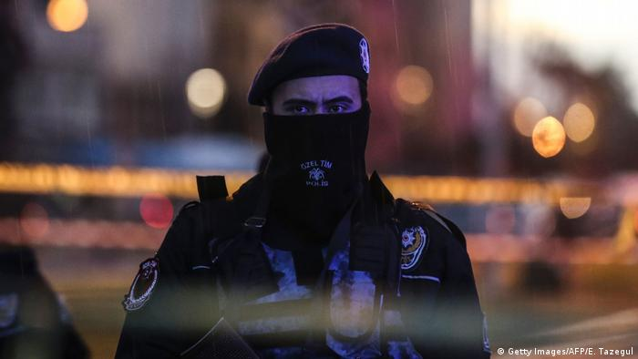 Turkish police officer (Getty Images/AFP/E. Tazegul)