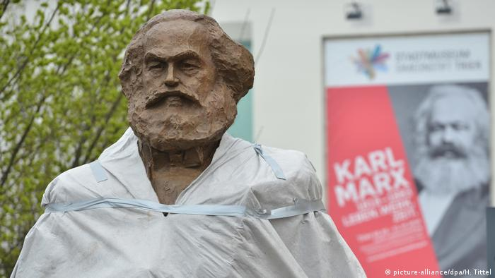 Deutschland Marx-Statue in Trier (picture-alliance/dpa/H. Tittel)