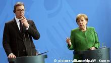 13.04.2018 Berlin: Bundeskanzlerin Angela Merkel (CDU) und der serbische Präsident Aleksander Vucic geben im Bundeskanzleramt ein gemeinsamen Statement ab, bevor sie sich zu einem Gespräch zusammen setzen. Foto: Wolfgang Kumm/dpa +++(c) dpa - Bildfunk+++ | Verwendung weltweit