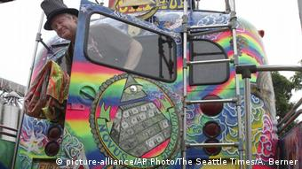 Bus Merry Prankster (picture-alliance/AP Photo/The Seattle Times/A. Berner)