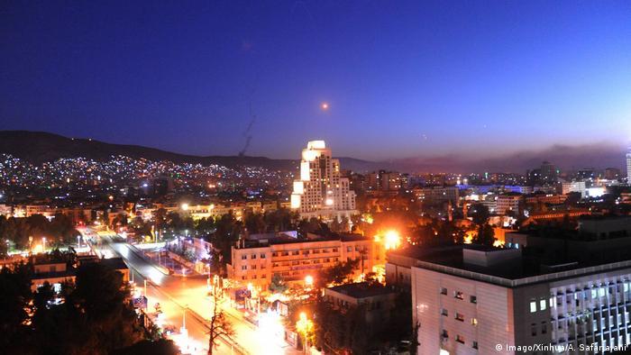 Syrien Damaskus Militärschlag (Imago/Xinhua/A. Safarjalani)
