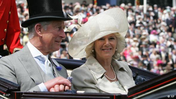 Charles i Camilla u kočiji na vjenčanju