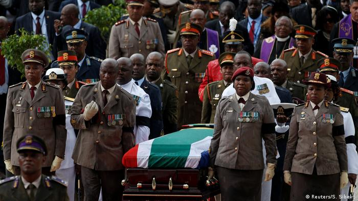 Südafrika Bebgräbnis von Winnie Madikizela-Mandela in Johannesburg (Reuters/S. Sibeko)