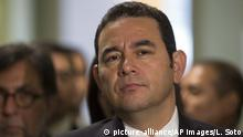 Jimmy Morales Präsident Guatemala (picture-alliance/AP Images/L. Soto)