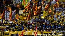BARCELONA, SPAIN - APRIL 15: Catalonia Independence supporters march during a demonstration on April 15, 2018 in Barcelona, Spain. Demonstrators march today in Barcelona in support of jailed Catalonian politicians and Pro-Independence social movements leaders. (Photo by David Ramos/Getty Images)