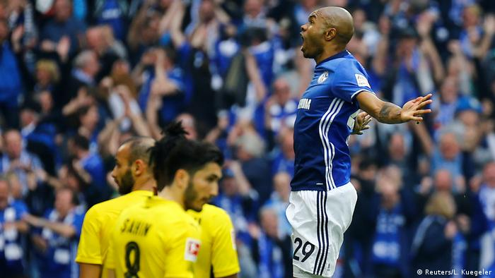 Borussia Dortmund And Schalke Show Why Ruhr Derby Is Germany S Real Classic Sports German Football And Major International Sports News Dw 25 11 2017