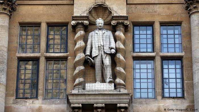 Rhodes-Statue am Orial College in Oxford. (Getty Images/C. Court)