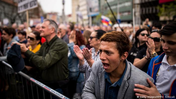 Protesters in Slovakia (Getty Images/AFP/V. Simicek)