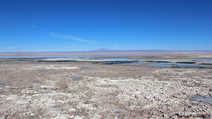 Chile Lithium Abbau Salar de Atacama (DW/S. Boddenberg)