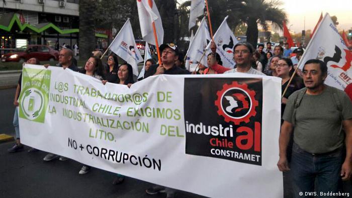 Chile: Demonstration gegen den Lithium Abbau, Anti Soquimich Protest