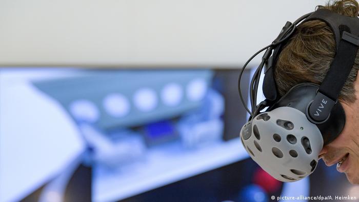 VR-очки в пассажирском самолете