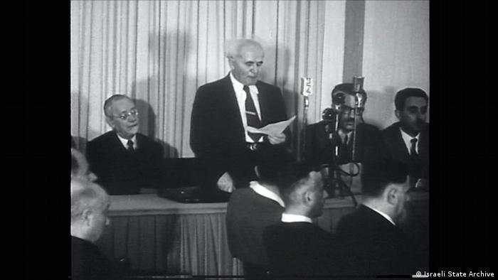 David Ben Gurion liest die Unabhängigskeits-Erklärung