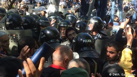 У Єревані під час протестів постраждали кілька десятків людей