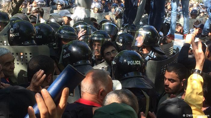Протести в Еревані, 16 квітня