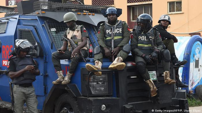 Nigeria Polizei (Getty Images/AFP/P. Utomi Ekpei)