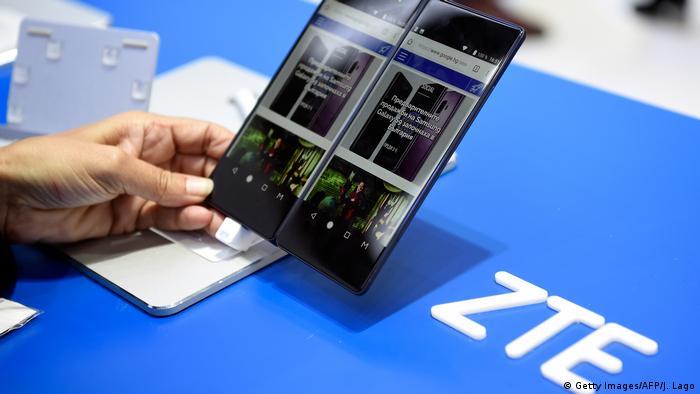 ZTE Smartphone in Barcelona