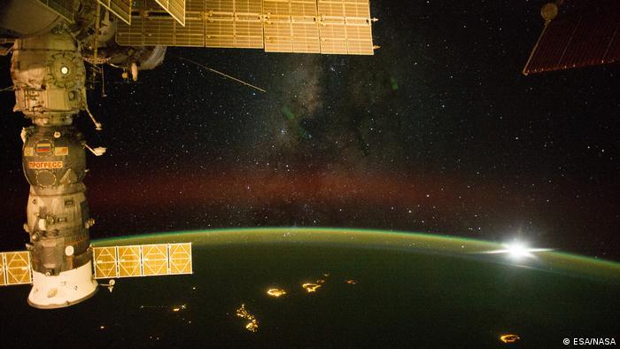 Blick von der ISS bei Nacht