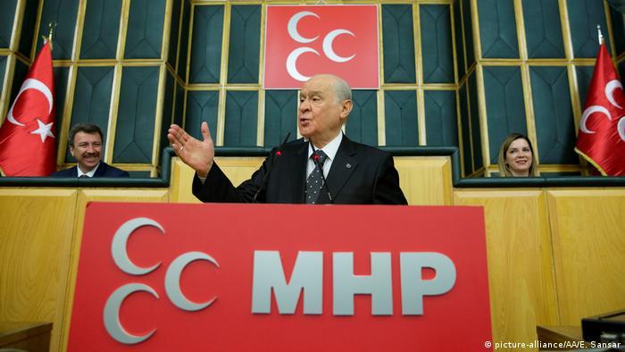 MHP Genel Başkanı Devlet Bahçeli dün kanun teklifini beklemeye aldıklarını açıklamıştı