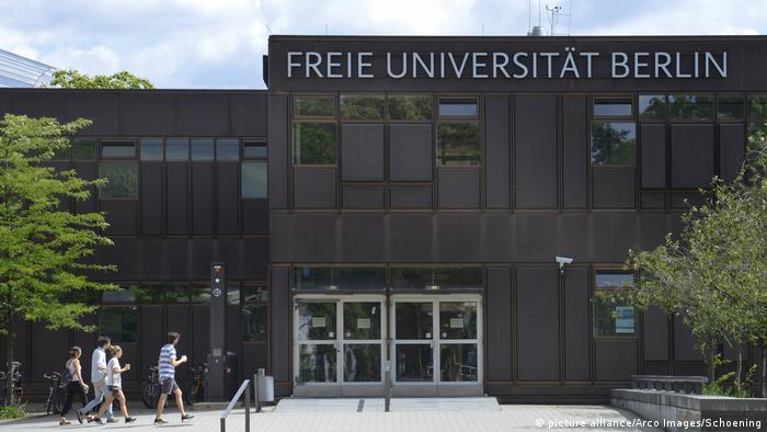 Deutschland Freie Universität Berlin in Dahlem (picture alliance/Arco Images/Schoening)
